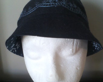fall or spring ladies cloche hat