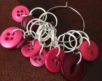 Button knitting markers