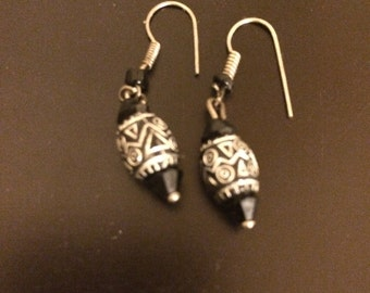 Vintage Black and Silver Etched Bead Earrings