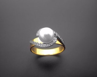 VA019,Diamond Ring, 14k Yellow Gold, 14k White Gold, Pearl
