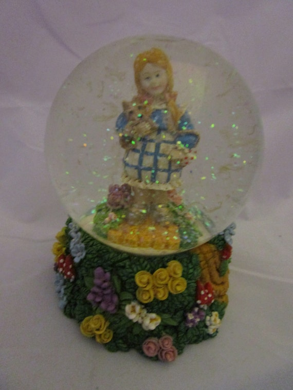 Dorothy and Toto Snow GLobe