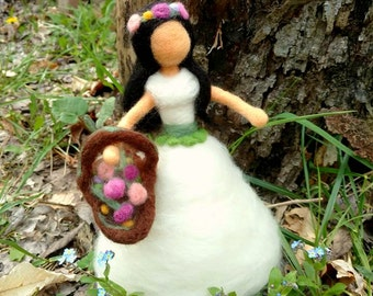 Spring May Day Queen (Waldorf-inspired & needle felted doll)