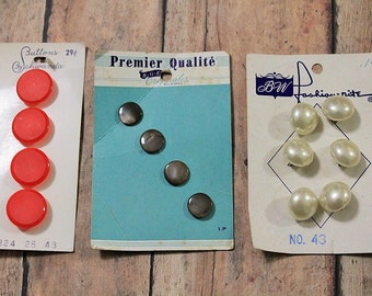 Antique Carded Buttons-Suttons Buttons-BGE Originales-1940's buttons-Vintage buttons on cards-Sewing and Crafting-Sale-Save 2.00