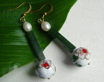 Cloisonné earrings earrings with jade