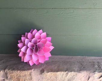 Small pink paper Wall flower