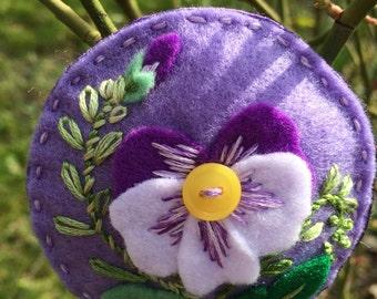 Ewa's Heart - Handmade Felt Brooch with Pansy ornament