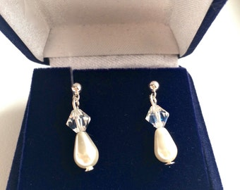 Elegant and sophisticated Brides, Bridesmaids, Swarovski Earrings