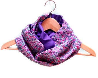 Blue reversible scarf flowery