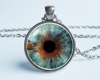 Eye pendant Eye necklace Eye jewelry Friend gift Everyday necklace Human eyeball Evil eye Glass eyeball Gothic necklace Realistic human eye
