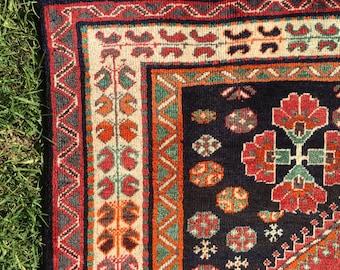 "Persian Rug, Shiraz Tribal Rug (Red, Black and Cream) 244cm x 147cm (8'0"" x 4'8"")"