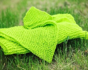 Green hand made 100% natural wool lace knit scarf. FREE SHIPPING