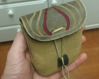 Handcrafted leather belt pouch