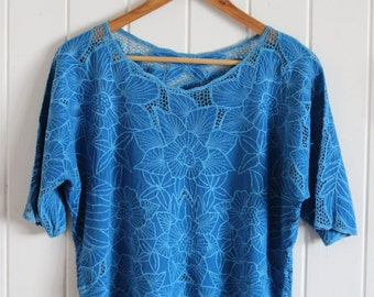 Vintage blue top, tee, t-shirt, 90's, indie embroidery, floral