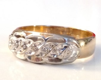 14K Yellow and White Gold Ring with 5 diamonds (0.05tcw) - size 9