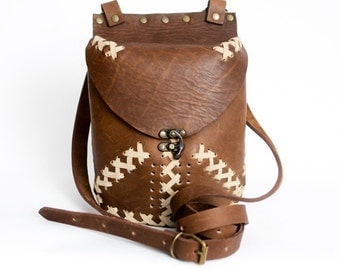 EXCLUSIVE Womens brown Italian leather bag  African