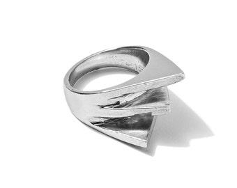 Tri Triangle Ring