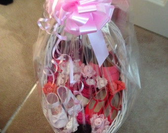 Gift basket for newborn