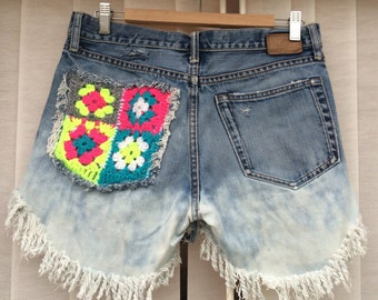 Customised crochet pocket shorts