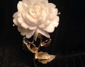 Faux ivory rose w/ gold stem brooch