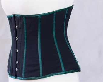 Classic style black/green underbust corset extraordinary quality size 12/14 (US) 3- layer