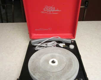 Vintage Symphonic Suitcase record player portable**Works but need help ** NEW LOWER PRICE