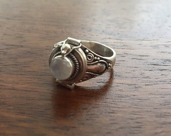 Moonstone 925 Sterling Silver Locket Ring- Size 7- N