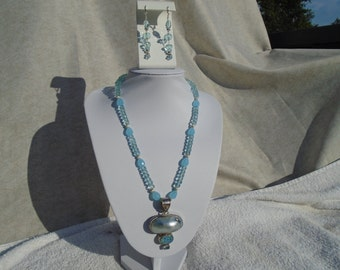 Aquamarine, druzy and mother of pearl necklace