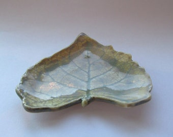 Leaf Ring Holder