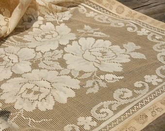 Vintage Lace Tablecloth/Antique Lace