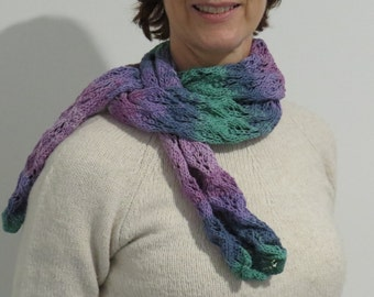 Gorgeous cotton scarf with lace pattern