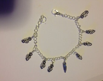 Silver feather pendant bracelet