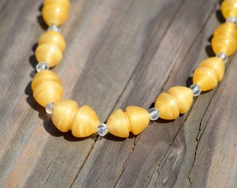 Yellow Beaded Necklace // Vintage Yellow Glass Bead Necklace // Yellow Necklace