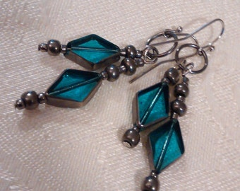 Translucent diamond-shaped drop earrings