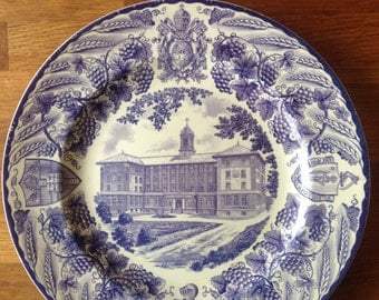Wedgwood College of the Holy Cross 1932 Alumni Hall Plate