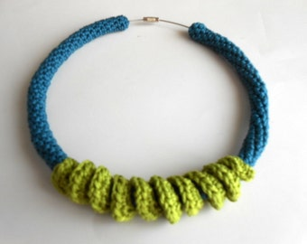 Crochet tube and twist necklace