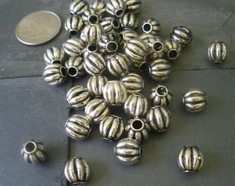 30 Antiqued Silver Corrugated Beads/ Spacer Bali Style Round Connector/ Round Corrugated Ball Jewelry Findings/ Supplies BE121