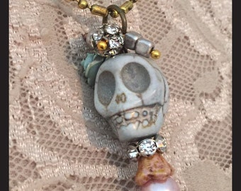 Day of the Dead necklace, Skull Jewelry, Goth, Dia De Los Muertos Jewelry, Mexicain Folk Art, assemblage, Halloween, OOAK, Boho Chic, Hippie