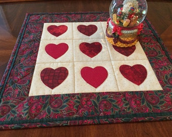 Christmas hearts table mat, candle mat, table runner.