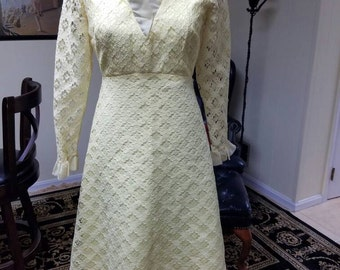 Stunning vintage A-line yellow lace dress