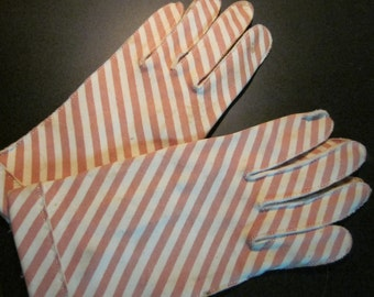 Vintage Crescendoe Ladies Short Gloves
