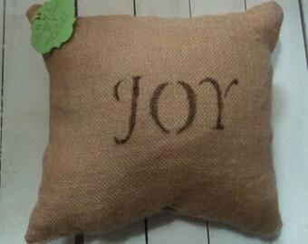 Burlap decorative joy pillow