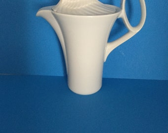 """Rosenthal China Tea Pot With Lid; Made in Germany; """"Studio-line"""" Pattern White Colored, Without Trim"""