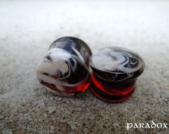 """Glass plug, red with white fog, 16mm (5/8"""")."""