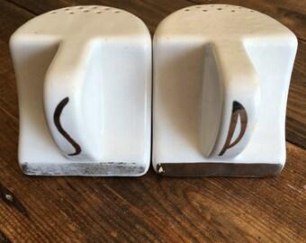 Vintage Retro Porcelian Salt/Pepper Shakers