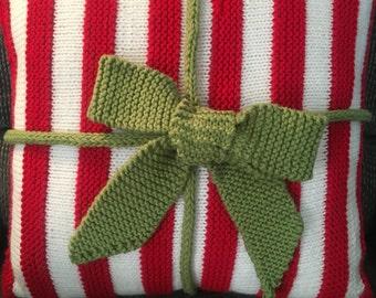 Christmas Crocheted Pillow, Christmas Decoration, Home Decor,