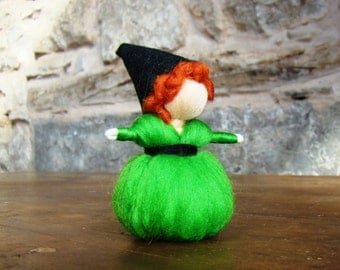 needle felted witch, green Halloween witch, green elf, mini felted doll, felted party favor, standing doll,