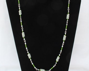 A Necklace and Earring Set with Wire and Beads, Lovely and Attractive
