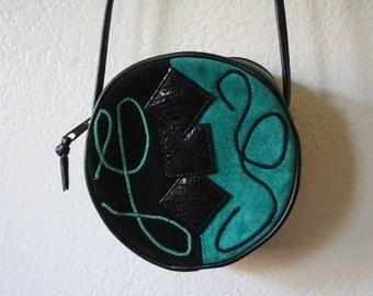 Vintage turquoise/black round cross body purse