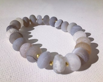 Raw Blue Lace Agate and Gold Accent Beaded Stretch Bracelet