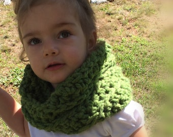 Toddler Crocheted Chunky Cowl - Grass